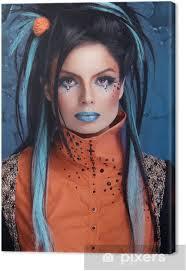 Obraz Rock Dívka S Modrými Rty A Punkový účes Opřený Grun Na Plátně