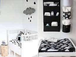 Quarto de bebê também pode ter parede preta. Pin Em Preto Branco