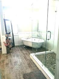 clawfoot tub bathroom ideas. Modren Clawfoot Clawfoot Tub In Small Bathroom Designs Design  Ideas Bathrooms With Tubs  On Clawfoot Tub Bathroom Ideas W