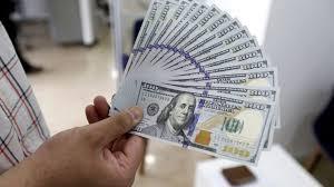 دلار در ایران به ۱۸ هزار تومان رسید - BBC News فارسی