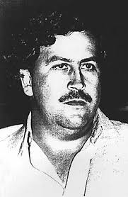 picture of Pablo Escobar. THE LIFE AND DEATH OF PABLO ESCOBAR. Synopsis of Killing Pablo (2001) by Mark Bowden - pablo-escobar