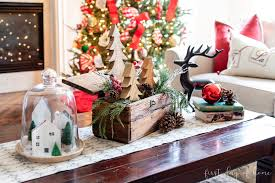 It's so simple but classy. How To Style The Best Christmas Coffee Table Decor