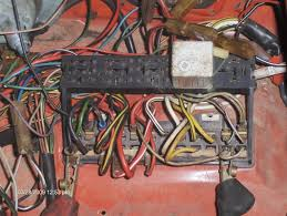 need 1974 standard fuse panel wiring help shoptalkforums com i know i am missing some relays i only have the one in the pic