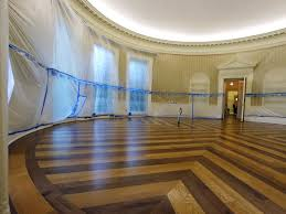 Oval office floor Design Washington Dc August 11 The Oval Office Sits Empty And The Walls Covered Eurasia Diary Donald Trump Orders Oval Office Makeover Eurasia Diary