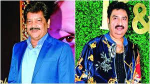 Udit Narayan and Kumar Sanu stand with India