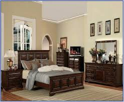 how to arrange bedroom furniture to make it look bigger make it look bigger a arrange