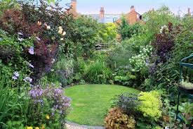 Small Picture Circularlawnandplanting qprjpg 800533 Gardening