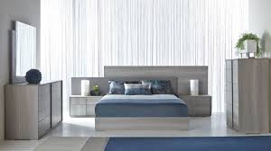 Forte Bed by Star International