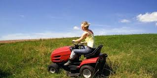 best garden tractor. Rear Engine Garden Tractor A Front Lawn Is The Best Choice For Large