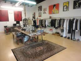 closet couture 3650 s jones blvd las vegas nv 89103 702 685 7900 high end or mainstream high end what you ll find inside high end fashion designers