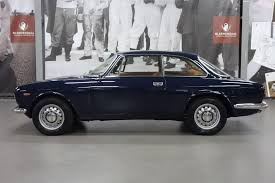 Alfa Romeo GT 1300 Junior | Alfa Romeo | Pinterest | Auto alfa ...