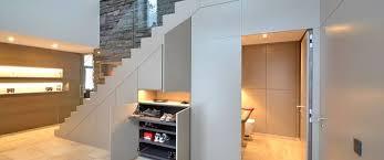 In unserem grundriss ist leider bei der gewünschten raumaufteilung nur eine halbgewendelte treppe möglich. Treppe Versteckten Stauraum Clever Nutzen