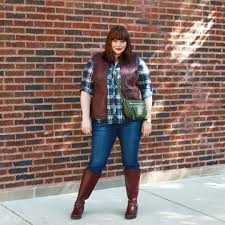 chicago plus size blogger amber from style plus curves in a fall outfit plaid top