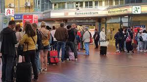 Stattdessen werde man eine urabstimmung durchführen, kündigte die gewerkschaft deutscher lokomotivführer (gdl) am donnerstag an. 3lu6ubfk12edwm