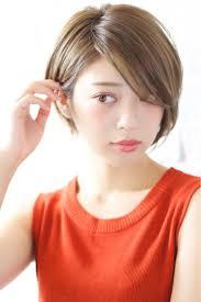 流し前髪は女性らしさを高めてくれるモテる女性に Hair