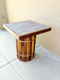 The most common pallet coffee table material is wood. Diy Pallet Coffee Table With Round Base