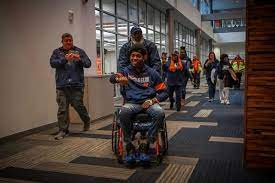 Illini football team touched by Bobby ...