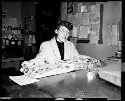 Bank Holdup, 9 April 1954. Mrs Vivian Hickman .;Caption slip reads:... News  Photo - Getty Images
