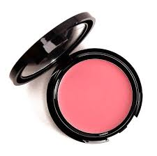 make up for ever hd blush is a blush that rels for 26 00 and conns 0 09 oz there are 16 shades that have been released which you can select from