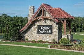 town square kay pratt re max