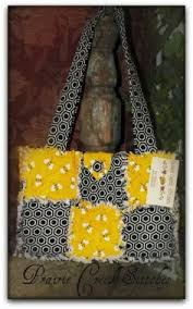Chick n Scratch: Candy Cane Christmas Rag Quilt Purse | sewing for ... & Bumble Bee Rag Quilt Purse Adamdwight.com
