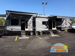 jayco seismic fifth wheel toy hauler awnings