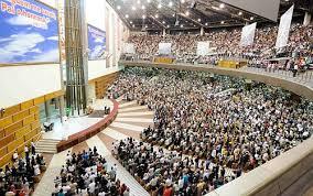Igrejas Evangélicas Não Pagam Impostos! | Seitas e Cultos - Veneno e Ilusão