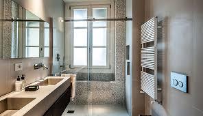 Bagno Legno Marmo : Rem bagno di design con elementi in legno pietra e marmo