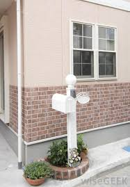 brick veneer on the outside of a home is technically a separate structure