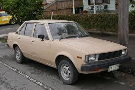 File:1982 Toyota Corolla (KE70) SE sedan (2015-07-14) 01.jpg ...