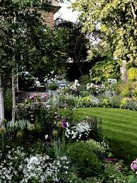 Pin by Lillian Rhodes on idees | Beautiful gardens landscape, Cottage  garden, Cottage garden design