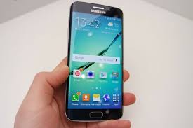 samsung galaxy s6 gold in hand. samsung galaxy s6 and edge hands-on review: is it enough to beat the iphone? - jeff parsons mirror online gold in hand v