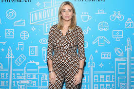 Whitney wolfe herd is founder and ceo of bumble, the dating app on which women make the first move. G9mzyihzsx3ihm