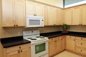 beautiful natural maple shaker kitchen cabinets natural maple kitchen cabinets images about broadway kitchen