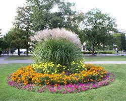Small Picture What Are Annual Flowers annual flower bed designs with circles