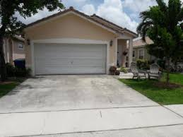Charming 3925 NW 88th Ter, Coral Springs, FL