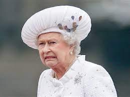 Regina Elisabetta II scandalo a palazzo: guardie al rave con cocaina