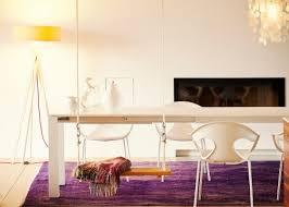 Fauteuil de table blanc ou noir au design moderne jankurtz