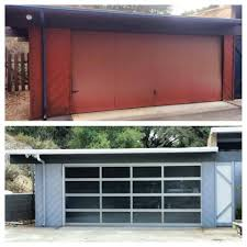 Before and After Garage Door on this Mid-century Modern Home ...