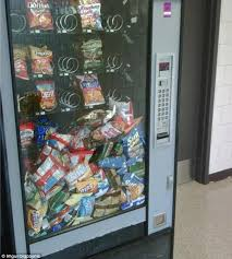 How To Rob A Soda Vending Machine Gorgeous Frustrated Customers Share The Funniest Vending Machine Fails Of All