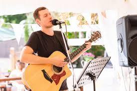 Marcus | Singer Guitarist London | Alive Network