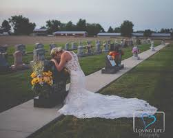 's They Were Grieving At Grave Down Day On Bride Breaks Fiance XwqzvrpXx