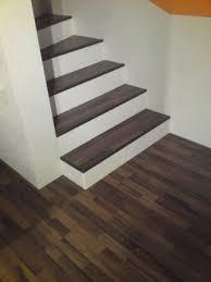 Die treppenbreite unser massivholz treppen beträgt in der. Treppe Mit Laminat Verkleiden Treppenrenovierung