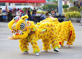 Warna barongsai barongsai biasanya terdiri dari 5 warna, yaitu kuning, hitam, hijau, merah, dan putih. Fakta Barongsai Nama Asli Kasta Dan Arti Warna Hiburan