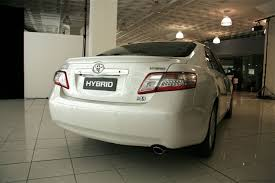 Toyota Camry Hybrid previews ahead of strong 2009 sales figures ...