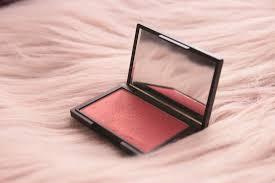 Румяна от sleek makeup blush в оттенке rose gold 926