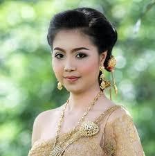 แบบทรงผมเจาสาวชดไทยสวยๆ พรอมวธเลอกทรงผมอยางไรใหรบ