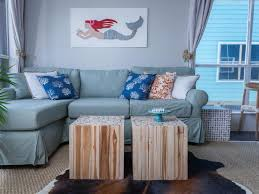 rustic living room design. Modern Rustic Living Room With Red Accents Design