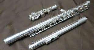 yamaha flute. yamaha flute yfl-411 mint condition could play it 9999 yamaha n