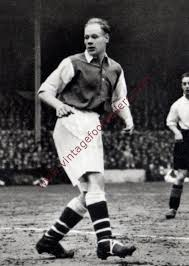 Playing as a winger, carter featured for crystal palace, queens park rangers, millwall, liverpool, arsenal. Male George Image 7 Arsenal 1936 Vintage Footballers